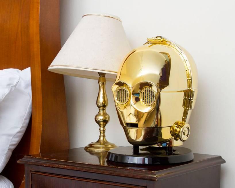 star-wars-audio-system-gold-plated-C3PO-stormtrooper-heads-designboom-10
