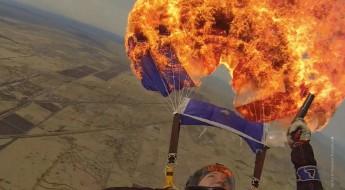 Heißer Abgang in der Luft – Warum man seinen Fallschirm abfackelt