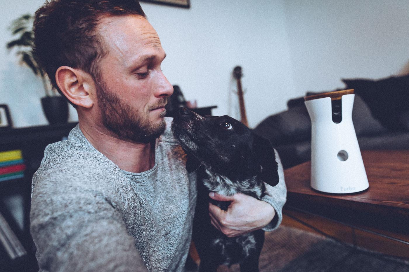 [Anzeige] Warum Henriette mich und ihre neue Furbo Hundekamera so abgöttisch liebt