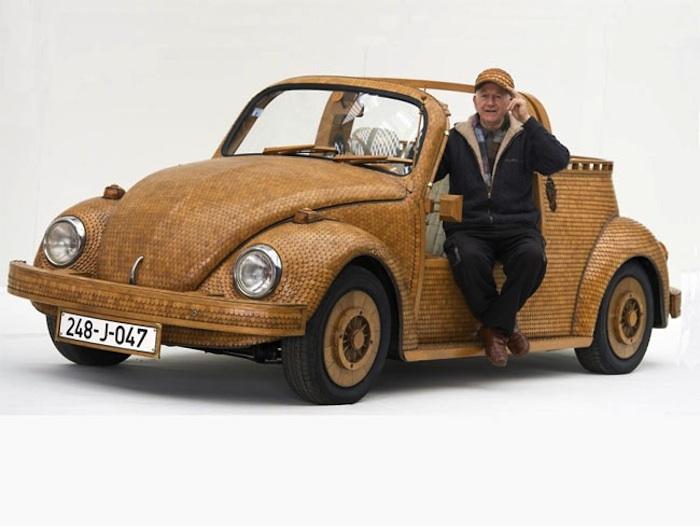 Einen VW-Käfer mit über 50.000 Teilen aus Eiche pimpen