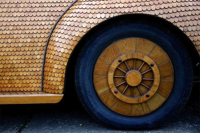 Great_Wooden_VW_Beetle_Made_by_Bosnian_Pensioner_Momir_Bojic_2016_07