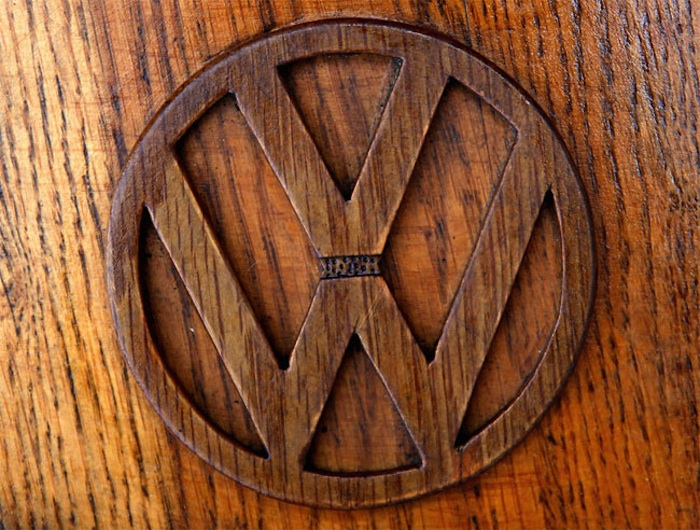 Great_Wooden_VW_Beetle_Made_by_Bosnian_Pensioner_Momir_Bojic_2016_08