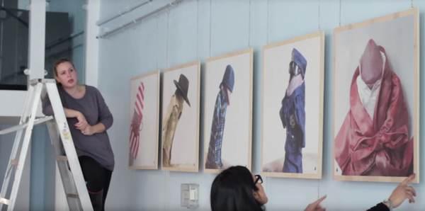 Fotos von angezogenen Penissen für $10,000 verkaufen